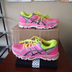 Asics shoes size 8.5 us 40 Europe